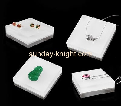 Shop display stands suppliers customized acrylic block jewelry store display JDK-405