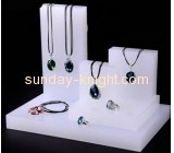 Factory acrylic necklace displays wholesale acrylic necklace display rack necklace stands displays JDK-112