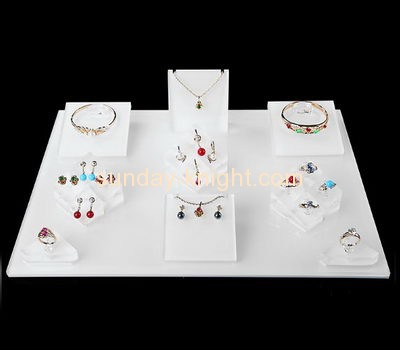 Shop display stands suppliers customized acrylic retail jewellery display JDK-402