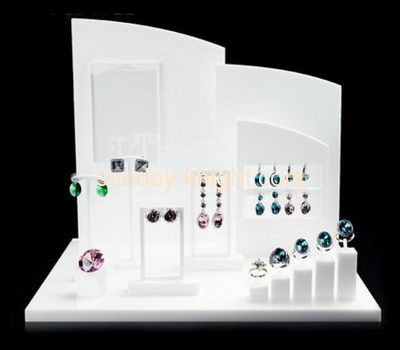 Acrylic display supplier customized jewellery shop window display JDK-408