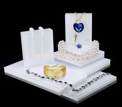 Customize acrylic retail jewelry display JDK-482