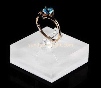 Customize acrylic ring holder JDK-519